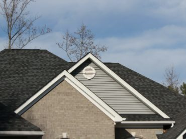 Four Reasons to Hire a Roof Cleaning Company
